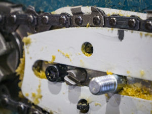 How A Chainsaw Oiler Works